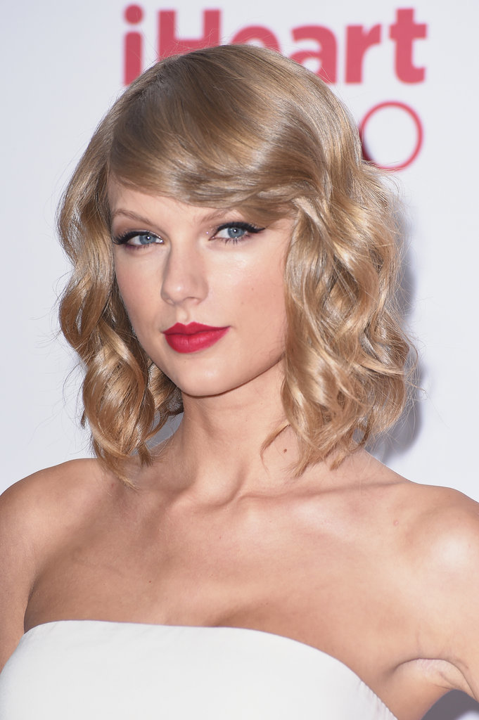 Taylor-Swift-Best-Hair-Makeup-Looks